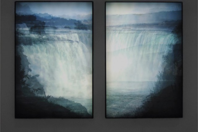 Image Elliot Anderson: Average Niagara