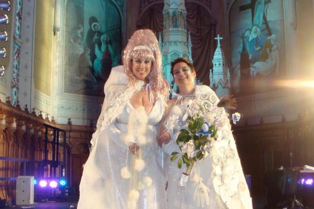 Image Elizabeth Stephens: White Wedding